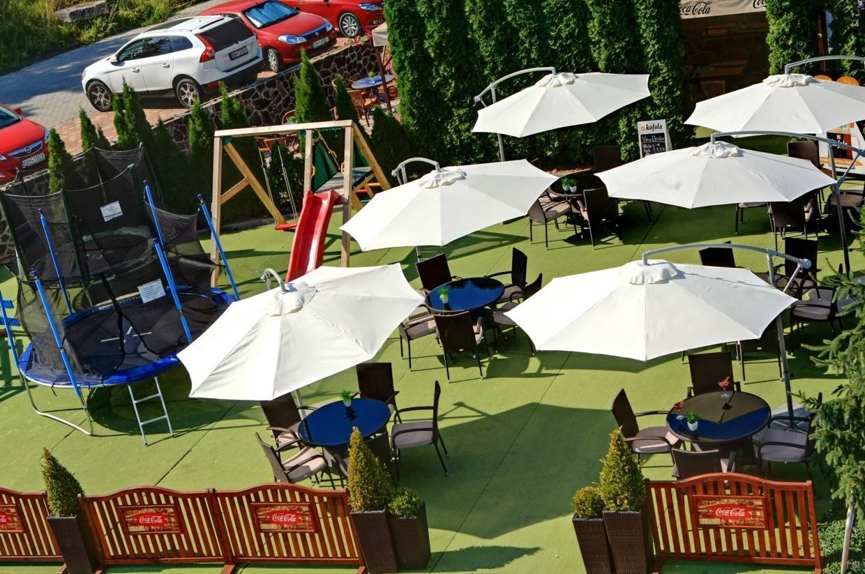 letná terasa Kongres Hotel Dixon**** Banská Bystrica