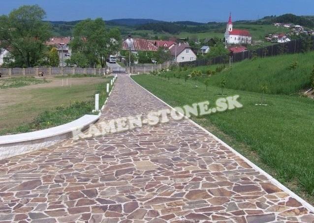 Prírodný kameň KB Banská Bystrica