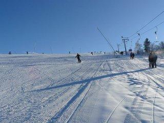 647a56757 Veľa zábavy na lyžiach a adrenalínu na snowtubingu to je lyžiarske  stredisko Nižná - Uhliská