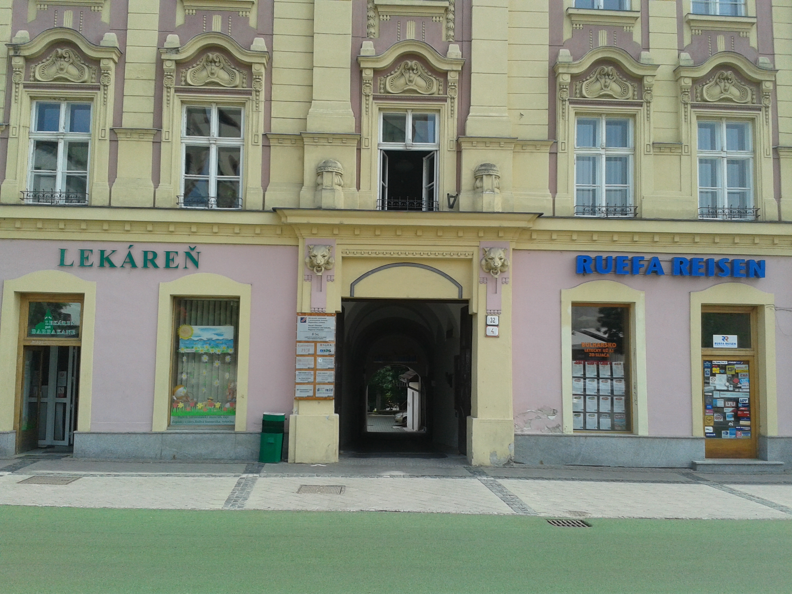 TAX - HOUSE s.r.o. Banská Bystrica - ekon - Kancelária  230d7ffdf4e