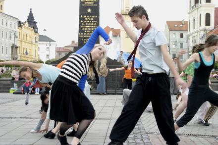 Medzinárodný deň tanca - Katalóg firiem  4b9cb36b75a